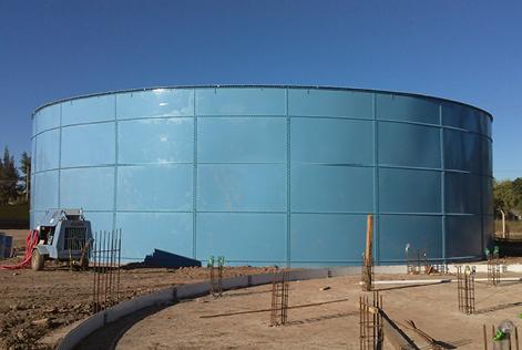Estanques apernados AWWA D103 de 2.000 y 10.000 m³ en acero con revestimiento epoxy de fábrica
